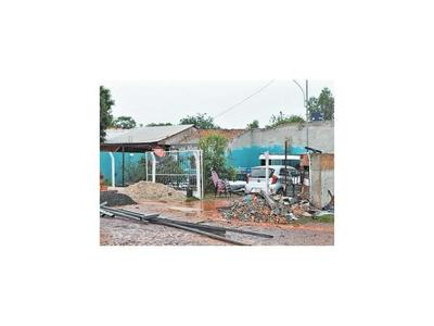 Ya son mil casas dañadas por breve pero fuerte temporal en Alto Paraná