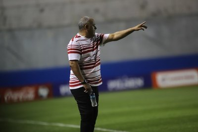 'Chiqui' Arce se quejó del arbitraje