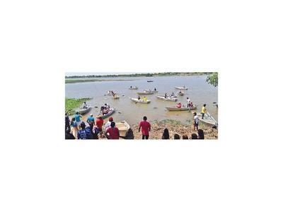 Ayoreos reciben canoas para potenciar recolección y pesca