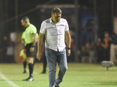 Miguel Ángel Russo dejó la banca de Cerro Porteño