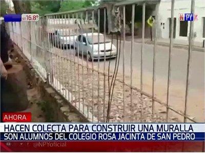 Hacen colecta pro muralla en colegio por inacción de autoridades