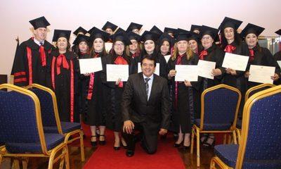 Egresan nuevos profesionales en educación