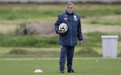 Tabárez anticipa rival duro en Perú