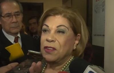Magistrados de Alto Paraná apoyan pedido de colgar foto de ministra en sedes
