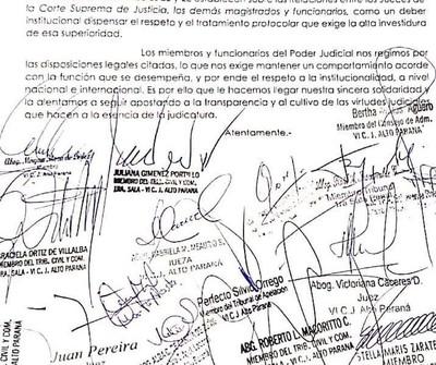 Magistrados del Alto Paraná apoyan a ministra para colocar fotografía de autoridades