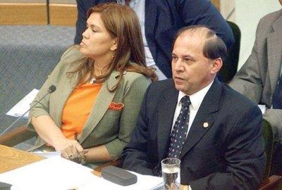 Abogada ratifica que Ríos Ávalos sea restituido como ministro de la Corte