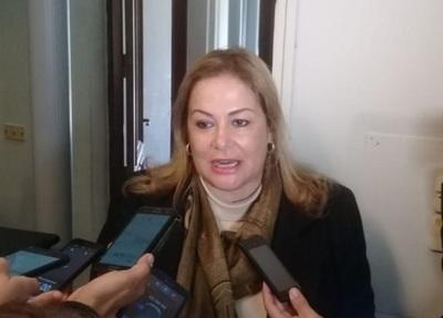 Abogados presentan denuncia penal contra ministro Villamayor