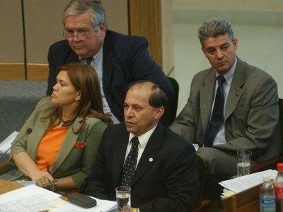 Bonifacio Ríos insiste en reincorporarse como ministro de la Corte