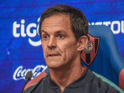 """Bernay, presentado como técnico de Cerro con """"dos sorpresas"""""""