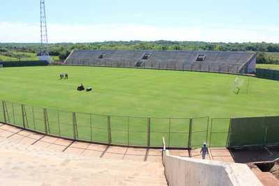 Estadio construido por Yacyretá podrá ser sede de competencias desde 2020