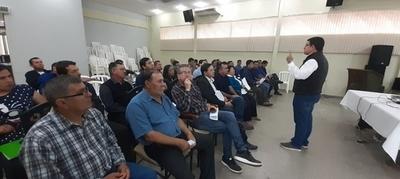 Capacitan sobre la Ley de Desbloqueo a referentes políticos del PLRA de Caaguazú