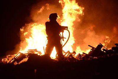 Alistan maratón solidaria a beneficio de bomberos forestales
