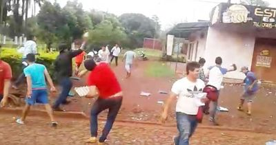 Patoteros de intendente de Otaño atacan una emisora