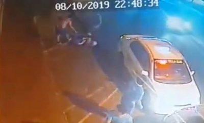 Patadas en la cabeza: nueva agresión de taxistas a conductor de Uber