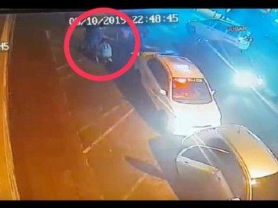 VIDEO: Taxistas agredieron a un Uber y a sus pasajeros