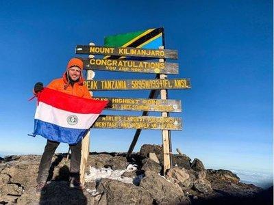 Un paraguayito en el pico más alto de África