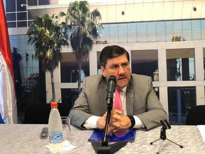 """Denuncias sobre Petropar """"son muy graves"""". Se podría plantear interpelación de Samudio, dice Llano"""