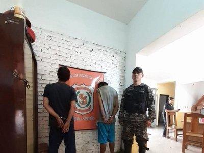 """Policía detuvo a limpiavidrios bien """"armados"""""""