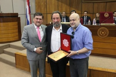 Senadores homenajean al histórico dirigente Domingo Laíno