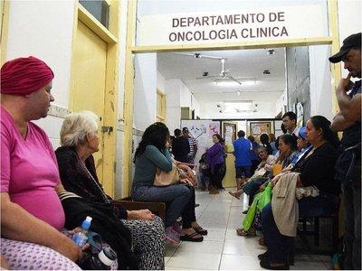 Pacientes del Incán  claman por fármacos   con amparos