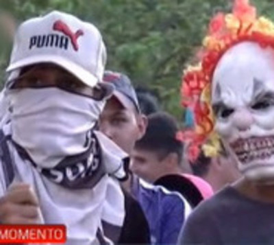 Tenso desalojo en Luque: Ocupantes se resistieron a la salida