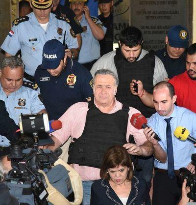 González Daher, su hijo y Cárdenas podrán salir de sus casas para trabajar