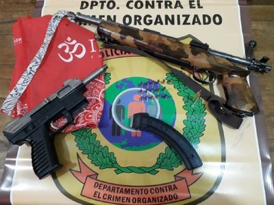 Capturan a un hombre tras intentar vender dos armas de fuego