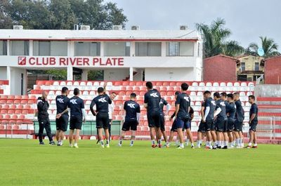 River Plate y Sportivo Luqueño debutan con equipo alternativo