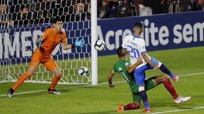 Brasil impreciso derrota a Bolivia 3-0