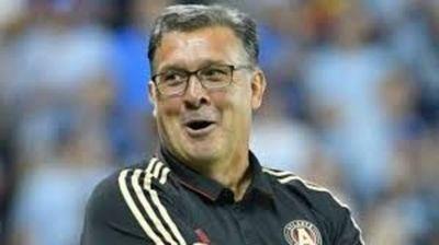 5 paraguayos en selección del Tata