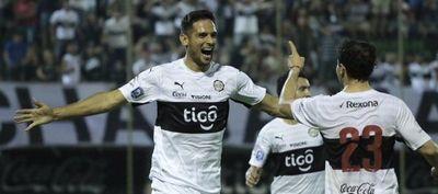 Roque Santacruz y Oscar Tacuará Cardozo son convocados por Eduardo Berrizo