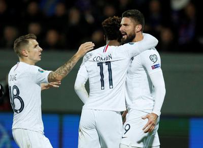 Francia sigue muy bien encaminado tras vencer a Islandia