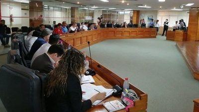 Legislación de la Junta aprobó proyecto de ordenanza que da libertad absoluta a  Muv y Uber