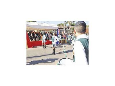 Con desfile celebraron los 150 años de escuela España