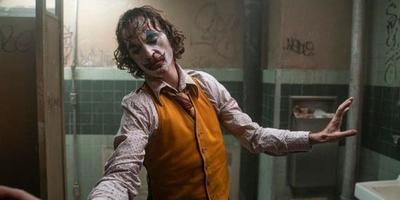 Sale a la luz una escena borrada de la película Joker