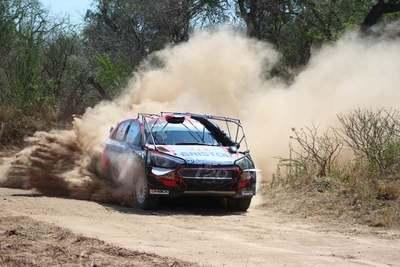 Domínguez se aferra como líder del Transchaco Rally 2019