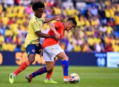 Chile resiste el empuje de una atrevida Colombia