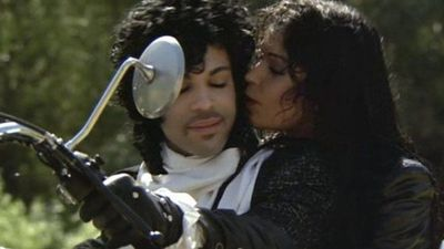 A días de su muerte, subastarán una chaqueta de Prince