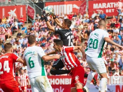 Danilo Ortiz marca un gol para el Elche