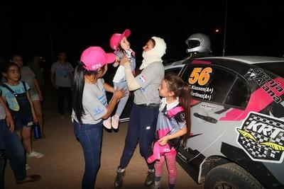 Las mujeres siguen en la lucha: Lafarja y Flores van por la última etapa del Rally