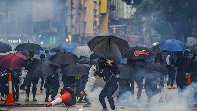Al estilo guerrillero; manifestantes hongkoneses cambian de táctica