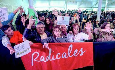 Unión Cívica Radical (UCR) desafian a Macri someter su candidatura a la reelección