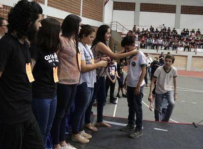 Más de 700 estudiantes   en final de matemáticas