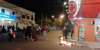 Escrachan a intendente de Concepción a un año de inicio de movilizaciones