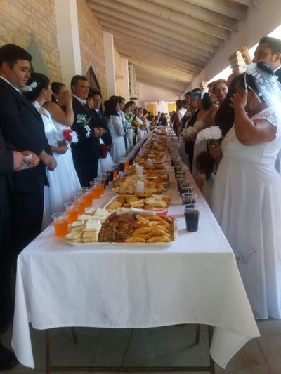 Reducto: 34 parejas dieron el sí en un casamiento comunitario