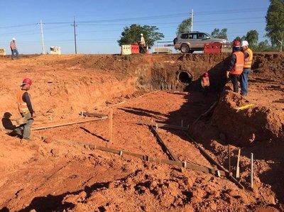 Avanzan obras de drenaje y movimiento de suelos para la duplicación de la ruta 2