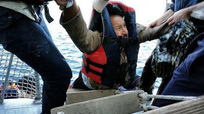 Marina libia halla 104 cadáveres de migrantes
