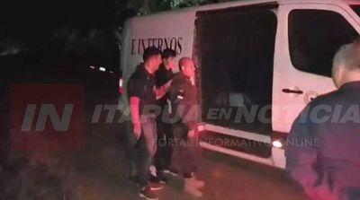 Secuestradores suben al vehículo con el rehén y se transladan a la penitenciaría .