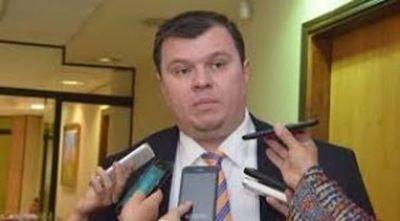 Ex senador liberal aguarda integración de la Corte para intentar regresar al Congreso