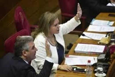 La senadora Lilian Samaniego confirma unidad de bancadas coloradas en apoyo al Ejecutivo